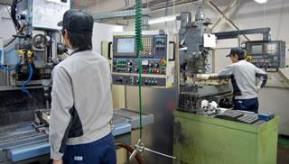 加工技術部機械加工業務の様子